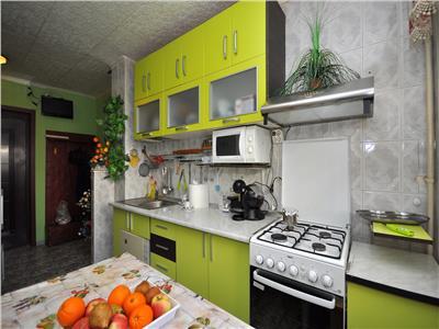 Basarabia diham apartament 2 camere decomandat etaj 3