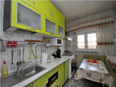 Basarabia diham apartament 2 camere decomandat etajul 3