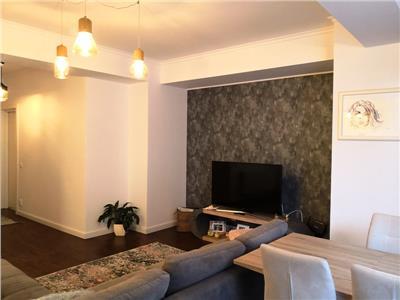 Bucurestii noi(parc bazilescu) apartament 2 camere, curte, garaj