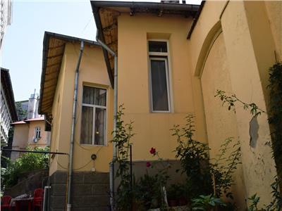 Casa 3 dormitoare cu gradina, Ultracentru.