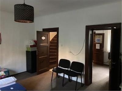 Casa 4 camere de inchiriat zona Decebal