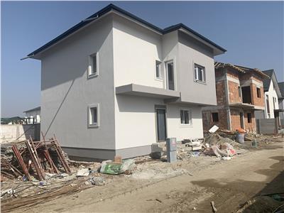 Casa individuala-Dormitor Parter-Dormitor matrimonial/3bai-5camere