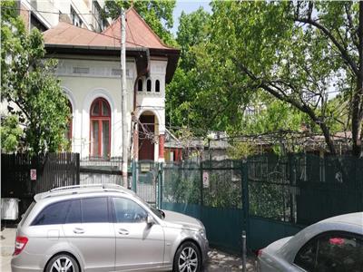 Casa interbelica, 4 camere, eroii revolutiei- metrou