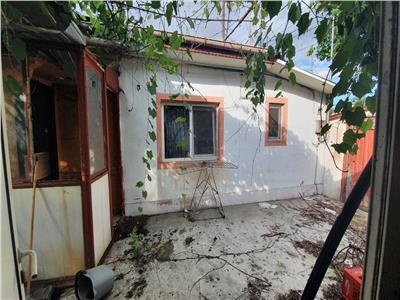 Colentina Carrefour Moroeni vanzare casa 3 camere 163 mp teren