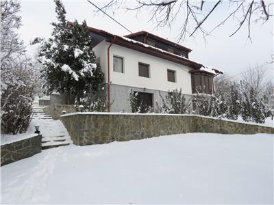 Comision 0 !! Vanzare vila  D+P+M, 8 camere, Valea Calugareasca