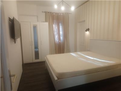 De inchiriat Apartament 2 camere 500 euro Piata Unirii - casa,curte