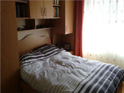 De inchiriat apartament cu 3 camere cf 1 teilor Pitesti
