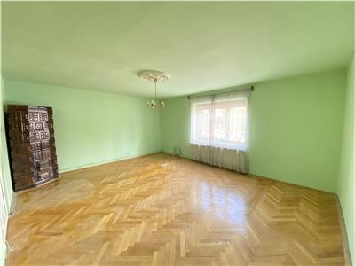 De inchiriat casa cu 3 camere, zona Centrala