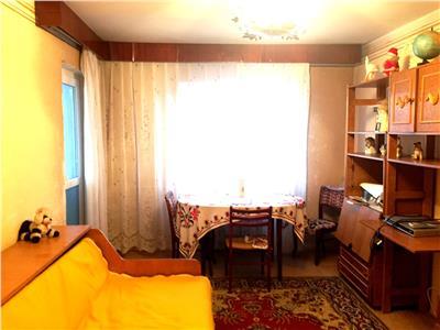 Apartament 3 camere, decomandat, bloc 1985, bd. castanilor, ploiesti