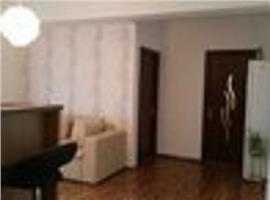 De inchiriat apartament fond nou etaj intermediar zona centrala Pitesti