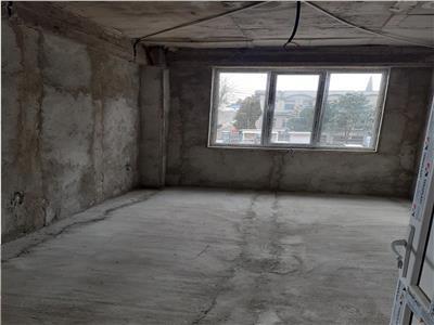 De vanzare spatiu 200 mp / etaj 1 semicentral teilor