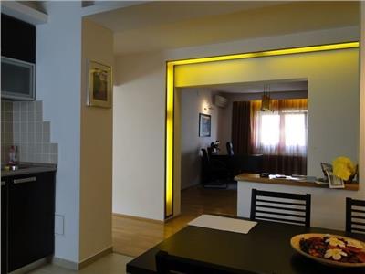 Decebal, inchiriere apartament 4 camere decomandat.