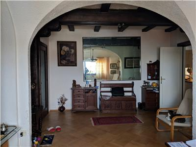 Doctor Burghelea, apartament 4 camere,100 mp,neoclasic