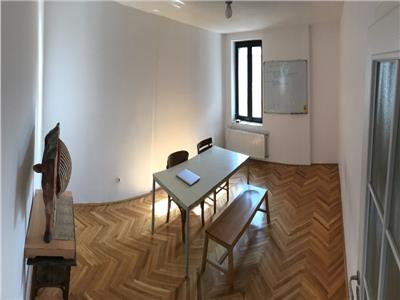 Etaj 2 in vila nemobilat ideal birouri Piata Dorobantilor