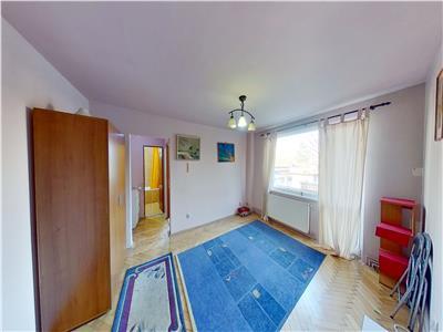Galaxy Imobiliare vinde apartament cu 2 camere in 7 Noiembrie etaj 1