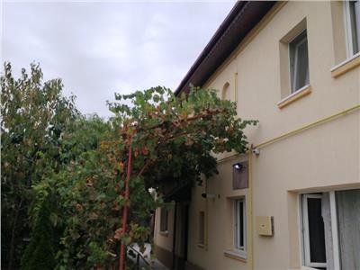 Godeni-sector 1, casa si teren