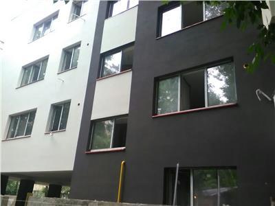 Apartament 3 camere decomadat 5 min metrou aparatorii patriei