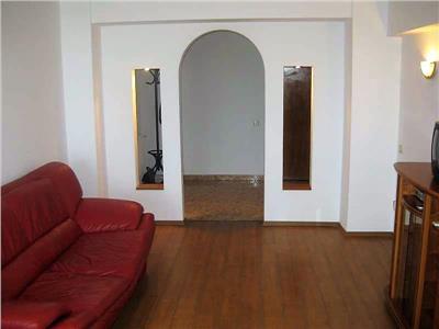 Inchiriere apartament cu 3 camere, Bd. Unirii