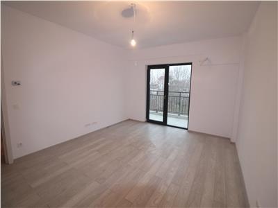 Apartament foarte spatios, 10 minute metrou, finalizat