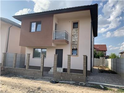 Casa individuala 4 camere-Incalzire pardoseala-Geam Tripan-Canalizare