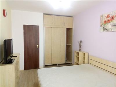 inchiriere apartament 3 camere ROMANA 3 min metrou decomandat