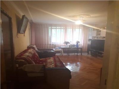 Vanzare apartament 4 camere ,etaj 3, zona Liviu Rebreanu
