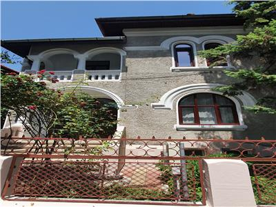Vila superba, eleganta, d+p+1, terasa, curte proprie, cotroceni