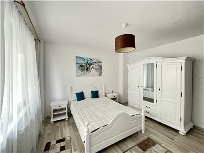 Inchiriere apartament cu 3 camere, mobilat si utilat, zona poli 2
