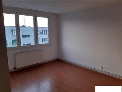 Vanzare apartament cu 2 camere Valea Oltului etaj 4 din 8