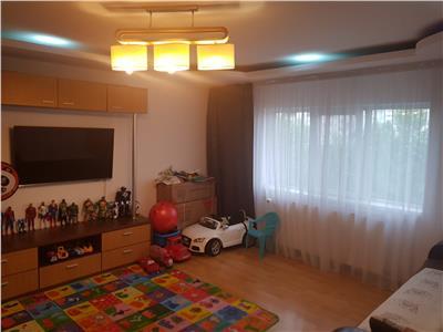 Apartament 3 camere 13 septembrie lic.odobleja