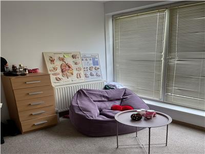 Vanzare/inchiriere apartament cu 3 camere aflat la 5 minute de umf