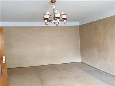 Vanzare apartament 2 camere,decomandat ,etaj 5,pantelimon