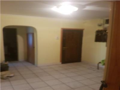 Apartament 4 camere, decomandat, Titan