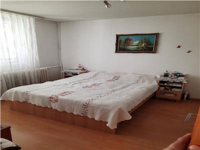 Vanzare apartament 4 camere Titan zona Jean Steriadi