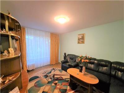 Vanzare apartament 4 camere Titan Ozana Scoala Gimnaziala 116
