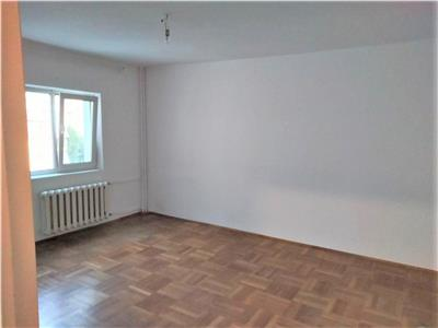 Vanzare apartament 4 camere bloc 1987 dristor zona farmacia tei
