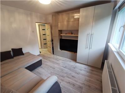 Inchiriere apartament 2 camere decomandat totul nou plaza romania