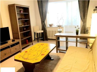 Apartament 3 camere decomandat Ozana cu centrala/parcare/2bai