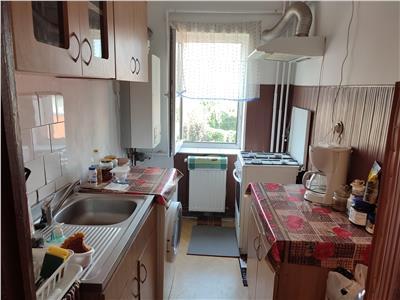 Vanzare apartament 2 camere decomandat Targoviste Polimed
