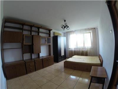 Inchiriere apartament 3 camere, dristor, piata ramnicul sarat