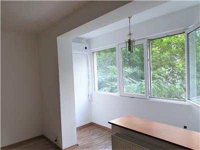 Vanzare apartament 3 camere Dristor Reconstructiei 2min de parcul IOR