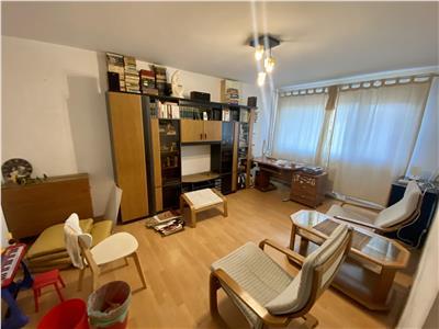 Vanzare apartament 3 camere, decomandat, ploiesti, zona bd. bucuresti