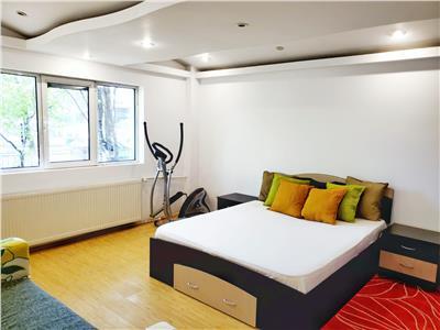 Inchiriere apartament 4 camere, Soseua Alexandriei, Piata Rahova