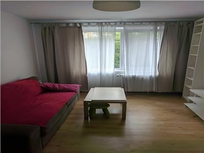 Inchiriere apartament 3 camere decomandat Piata Crangasi