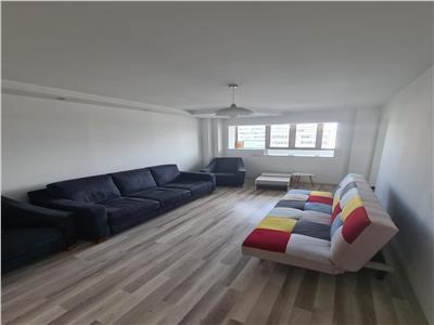 Vanzare apartament 3 camere Titulescu Piata Victoriei