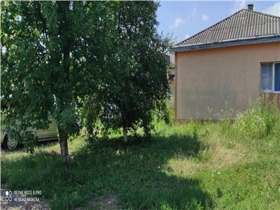 Casa in stancesti cu teren 1400 mp.