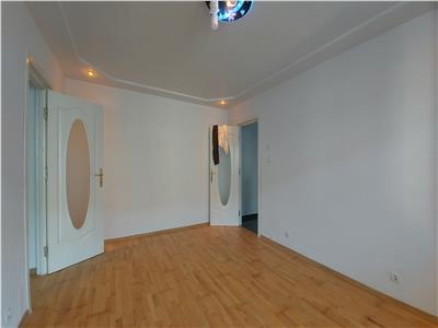 Apartament 2 camere, etaj 3, Scoala nr.6, Bucovina!
