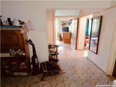 Apartament 3 camere, decomandat, parcul florilor