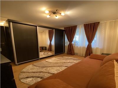 Vanzare apartament 4 camere,parter din 8, zona Diham