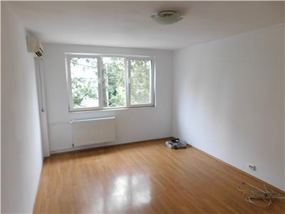 Apartament 2 camere decomandat etaj 3/4 Baba Novac - Titan Parc